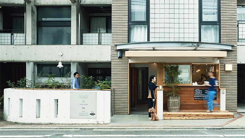 ペットクリニックとトリミングサロンを併設するカフェが誕生